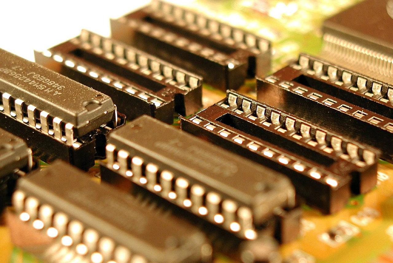 computer-329820_1280.jpg11.jpg